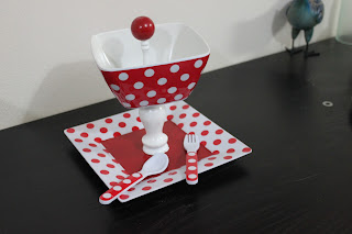 Recycled crafts:  cupcake stands