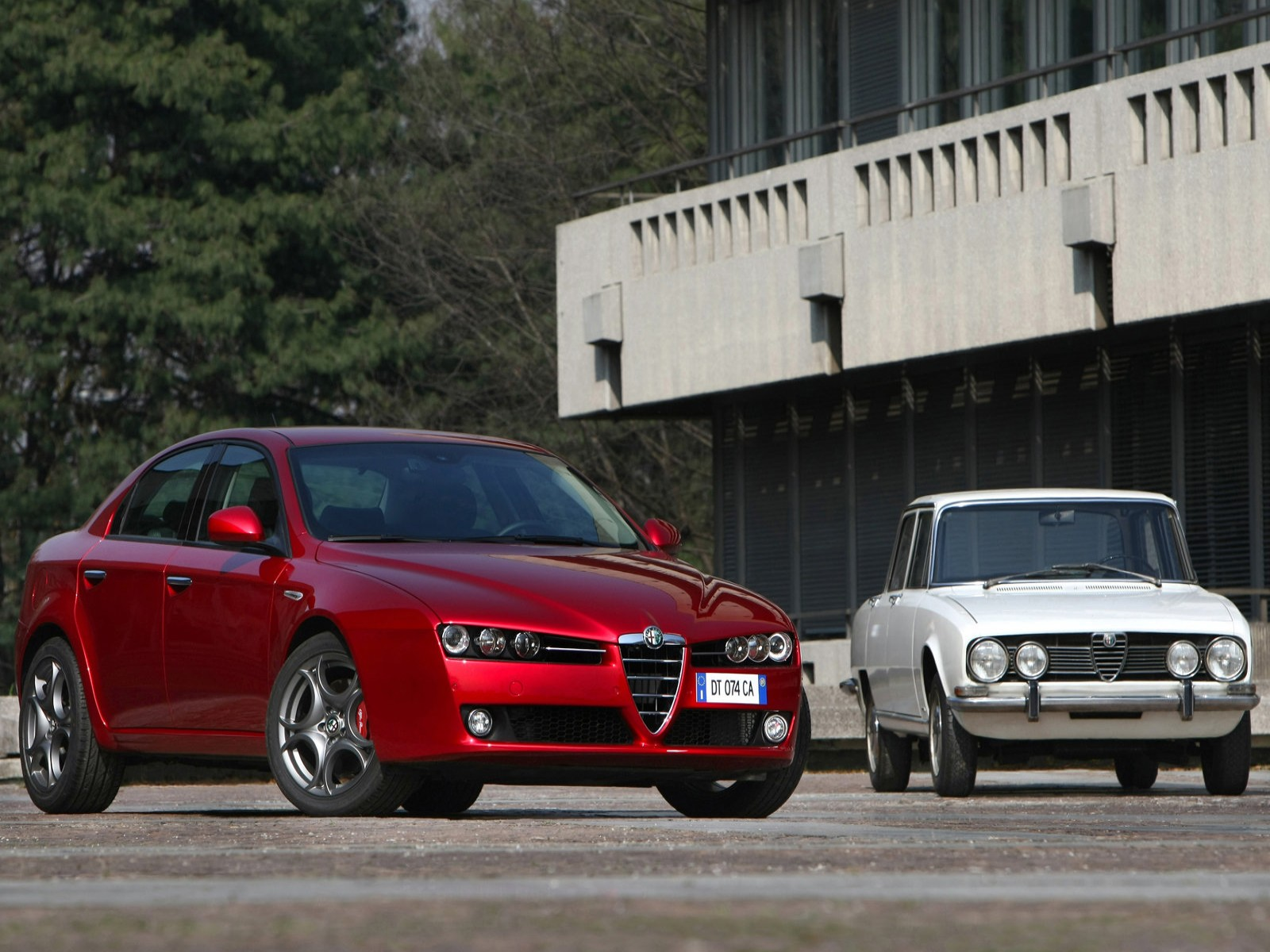 2010 Alfa Romeo 159 1750 TBi CAR WORLD