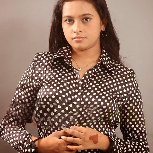 latest-sri-divya-sexy-stills-hot-images-2014