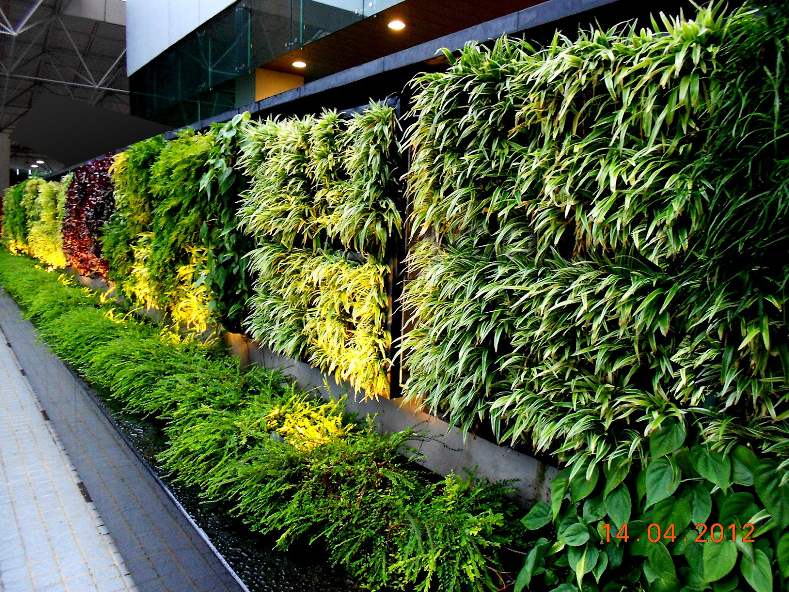 Agro wall vertical garden planting system agro wall for Vertical garden designs