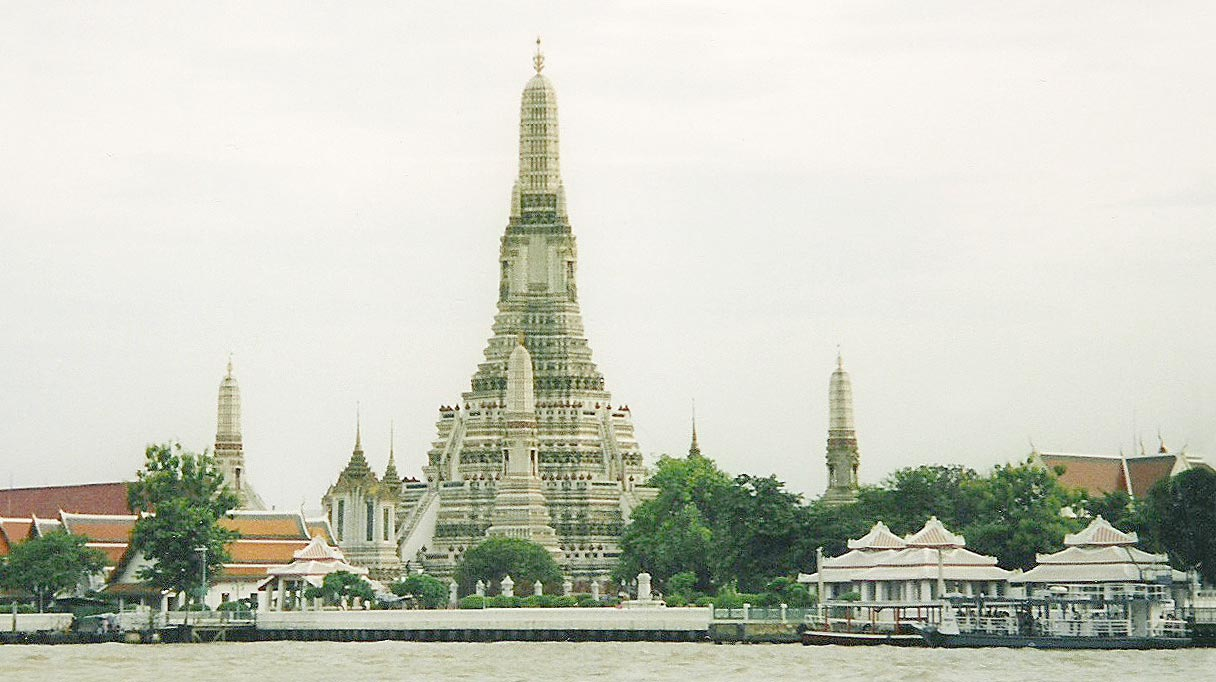 boom thailand: Wat Arun , Bangkok , Thailand