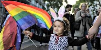 """Profesor activist LGBT: """"Preșcolarii trebuie să promoveze homosexualitatea și transsexualitatea"""""""