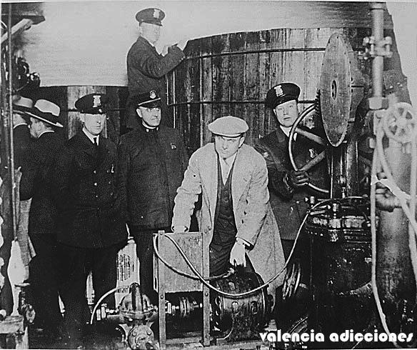 INCAUTACION POLICIAL DE ALCOHOL EN DETROIT 1922