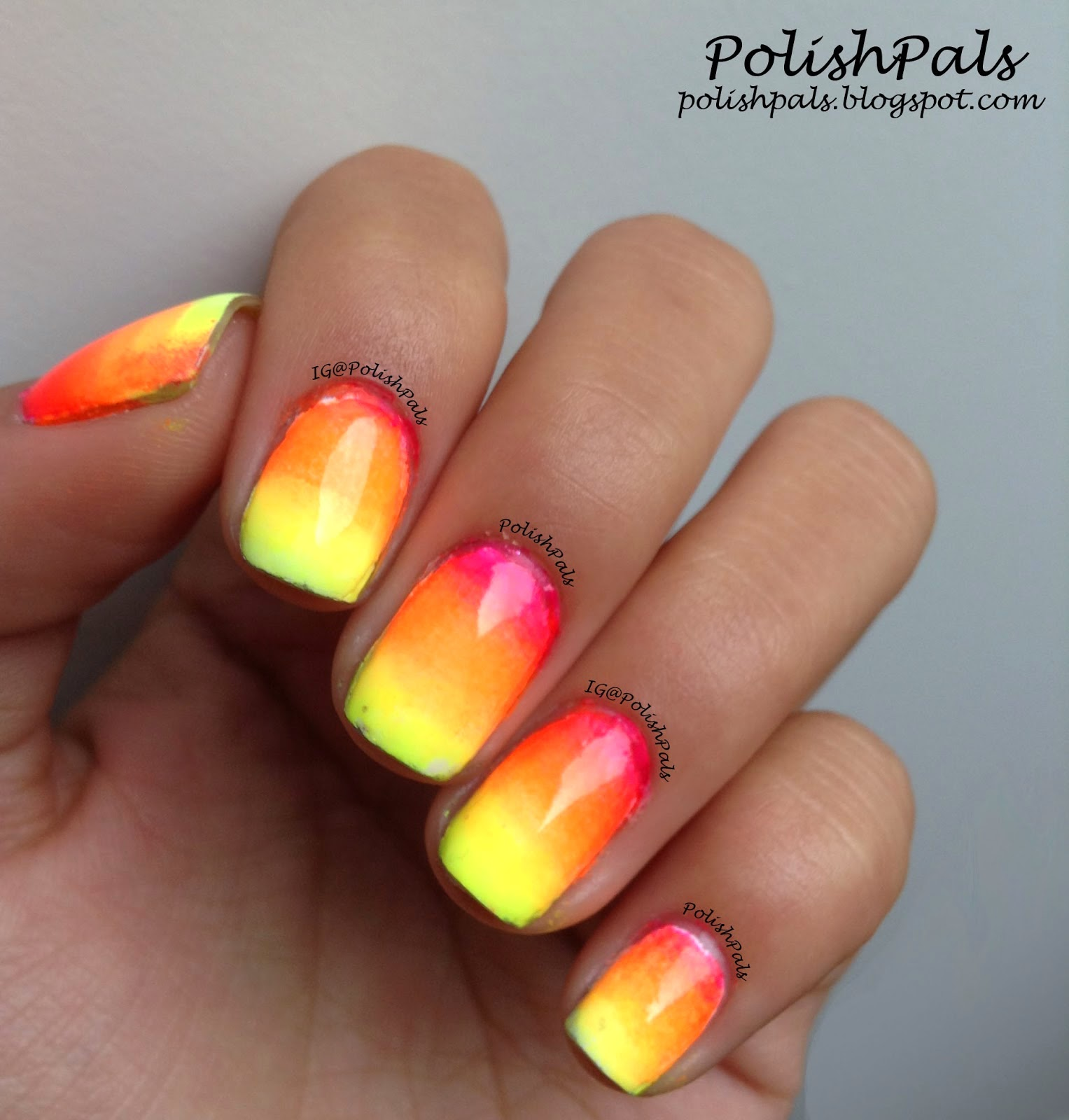 Summer Holiday Acrylic Nail Designs: Ofri sagy.