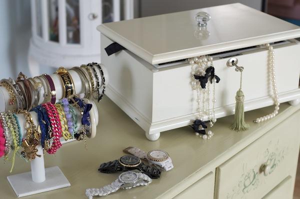 tipps tricks schmuckaufbewahrung fashionhippieloves. Black Bedroom Furniture Sets. Home Design Ideas