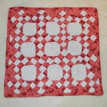 http://mychellem.blogspot.com/2014/02/full-blown-quilt-lust.html