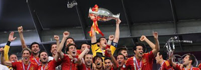photo image of Spain's soccer team as it wins the Euro-cup