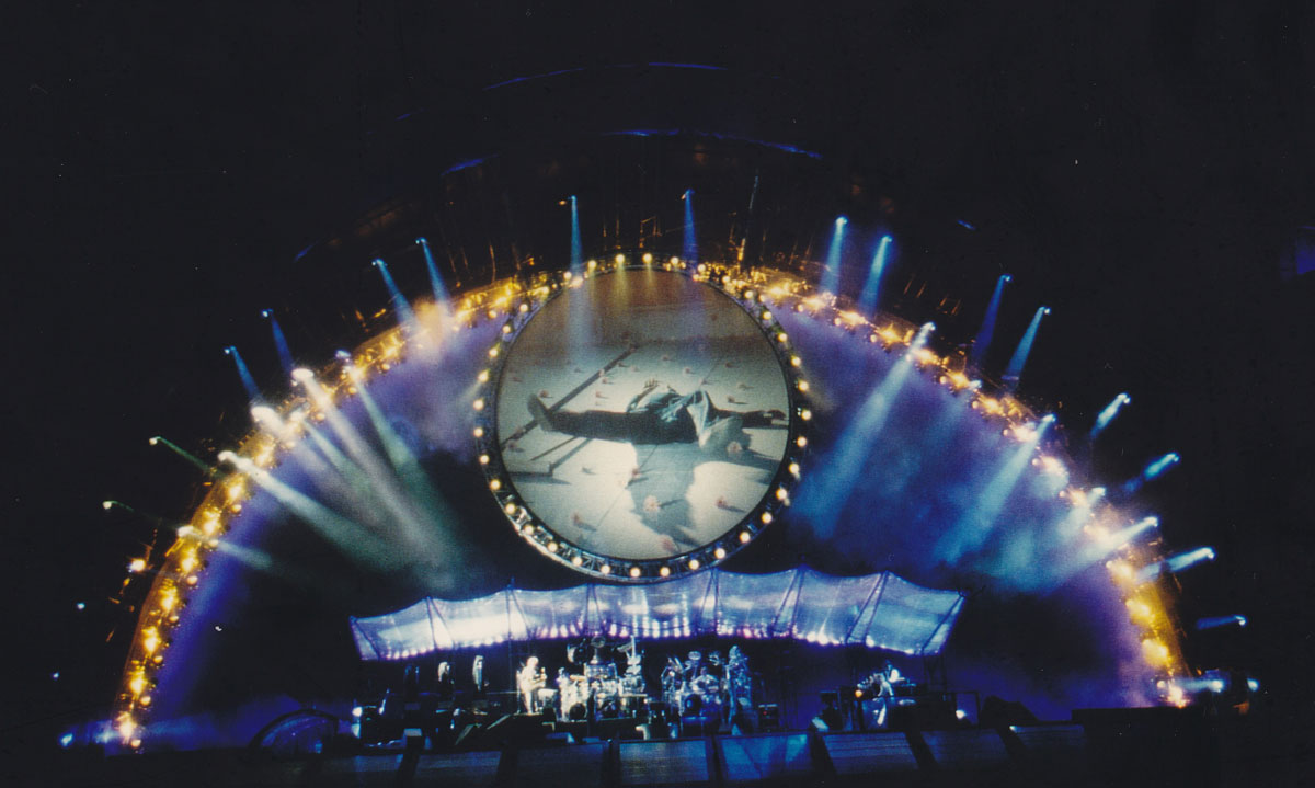 Google themes pink floyd - Pink Floyd In Concert 1994