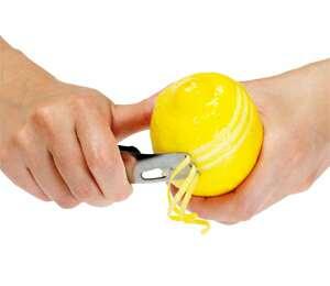 How to zest a lemon using lemon zester