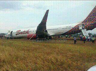 Foto Pesawat Batik Tergelincir di Bandara Adisucipto