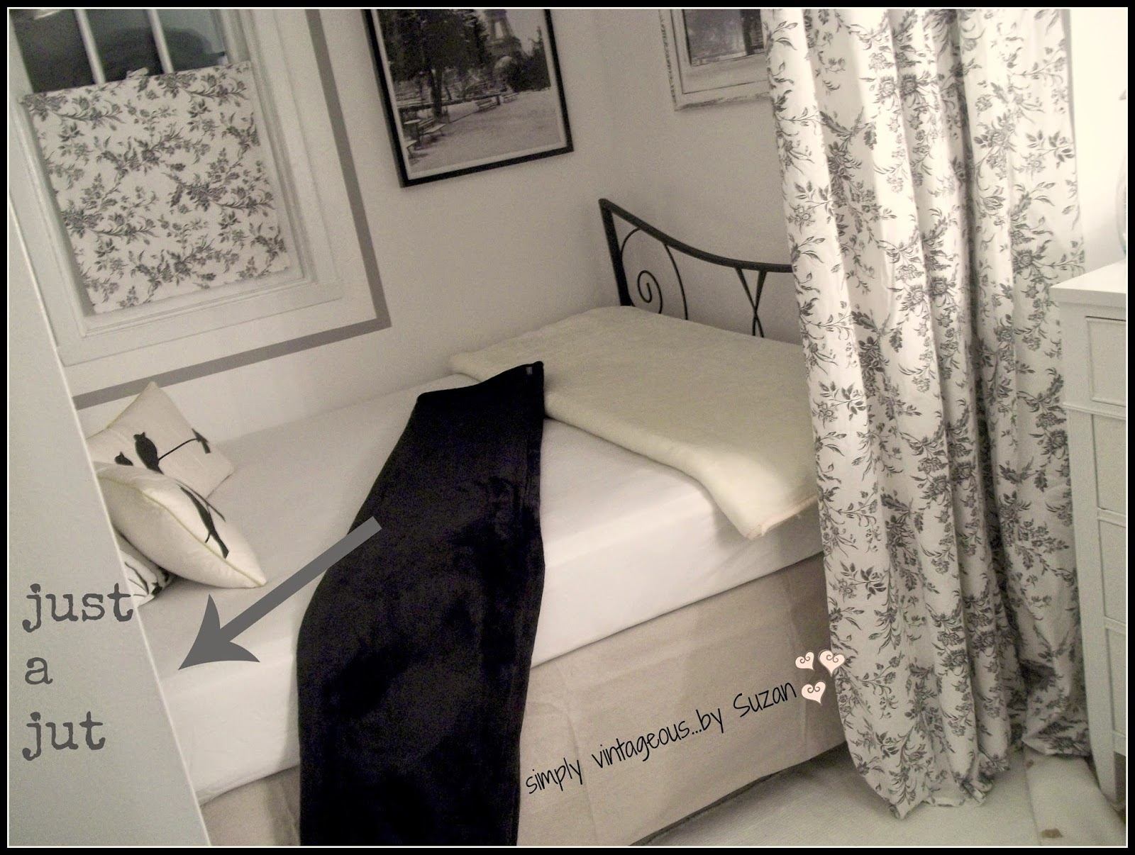Cosy simple DIY bed nook