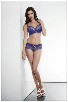 http://www.royal-blue.jp/brand/fauve/delphine.html