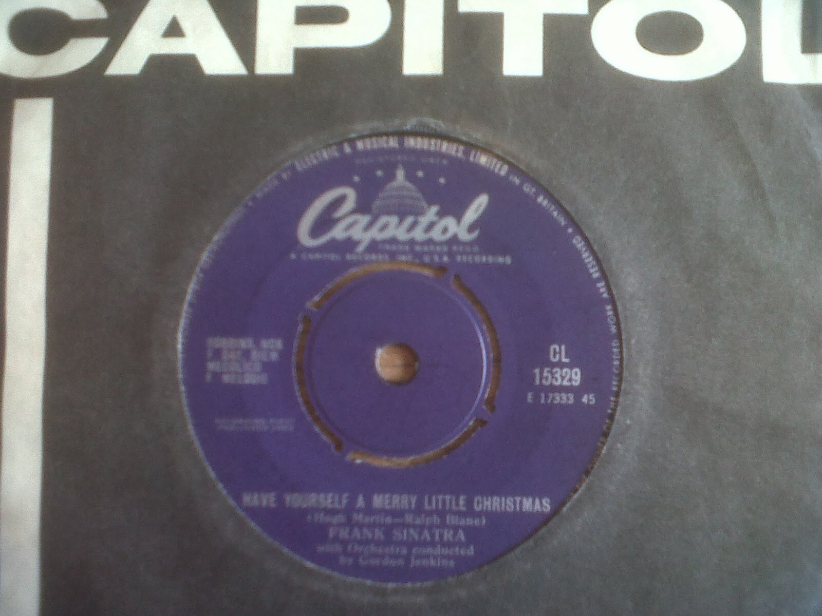Snowflakes Christmas Singles: Frank Sinatra: Have Yourself A Merry ...