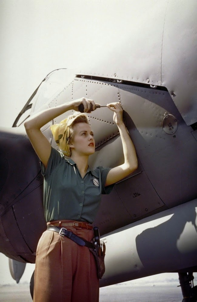 52 photos of women who changed history forever - A Lockheed employee working on a P-38 Lightning [Burbank, California, 1944]