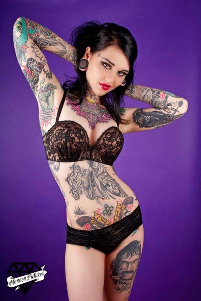 Pin on Girls with tattoos