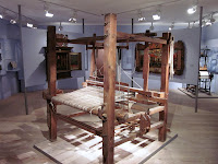vorindustrieller Webstuhl aus Holz