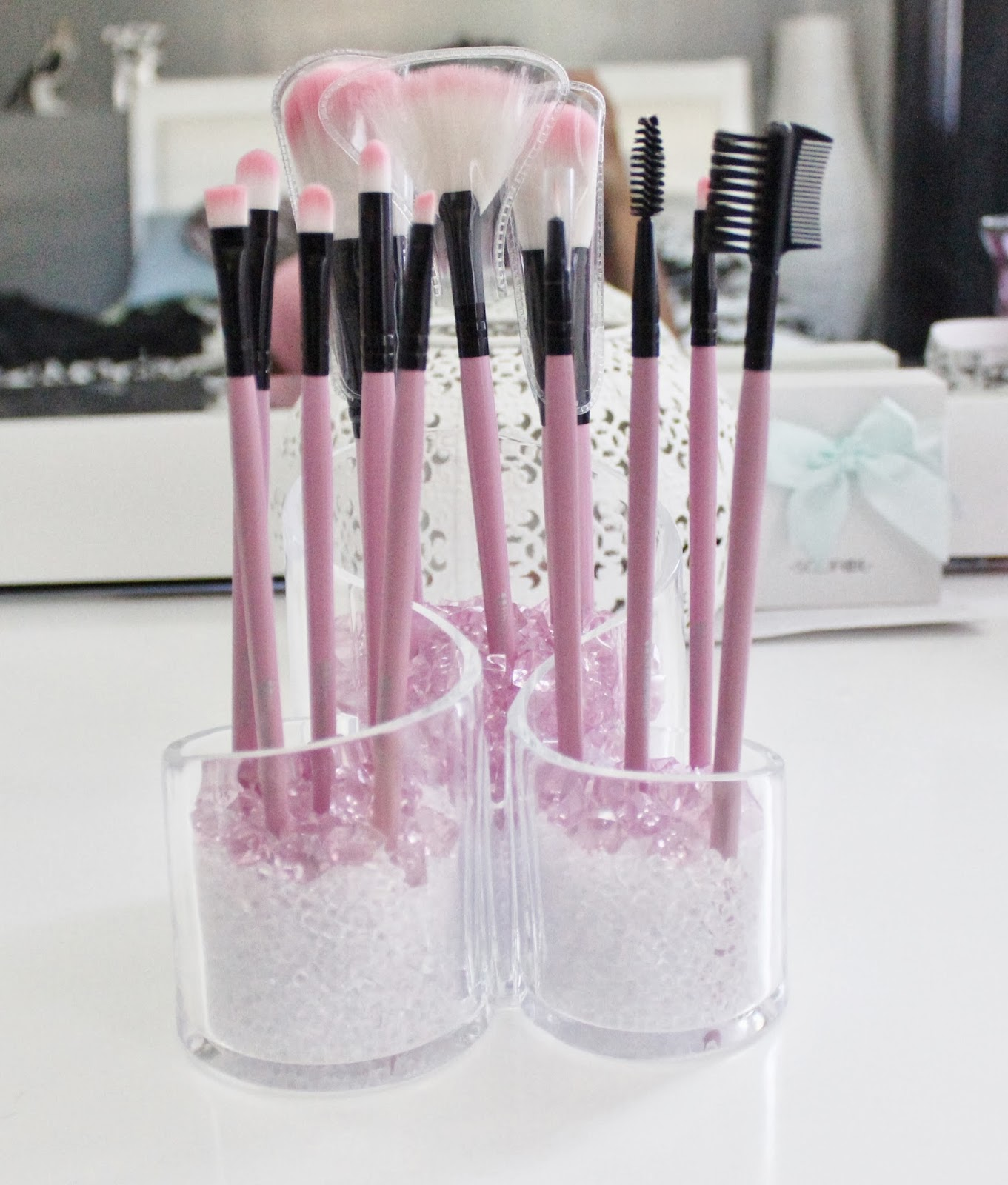 DIY makeup brush holder & DIY makeup brush holder | Journey to Waist Length