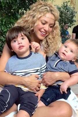 Shakira partilha foto com os seus meninos