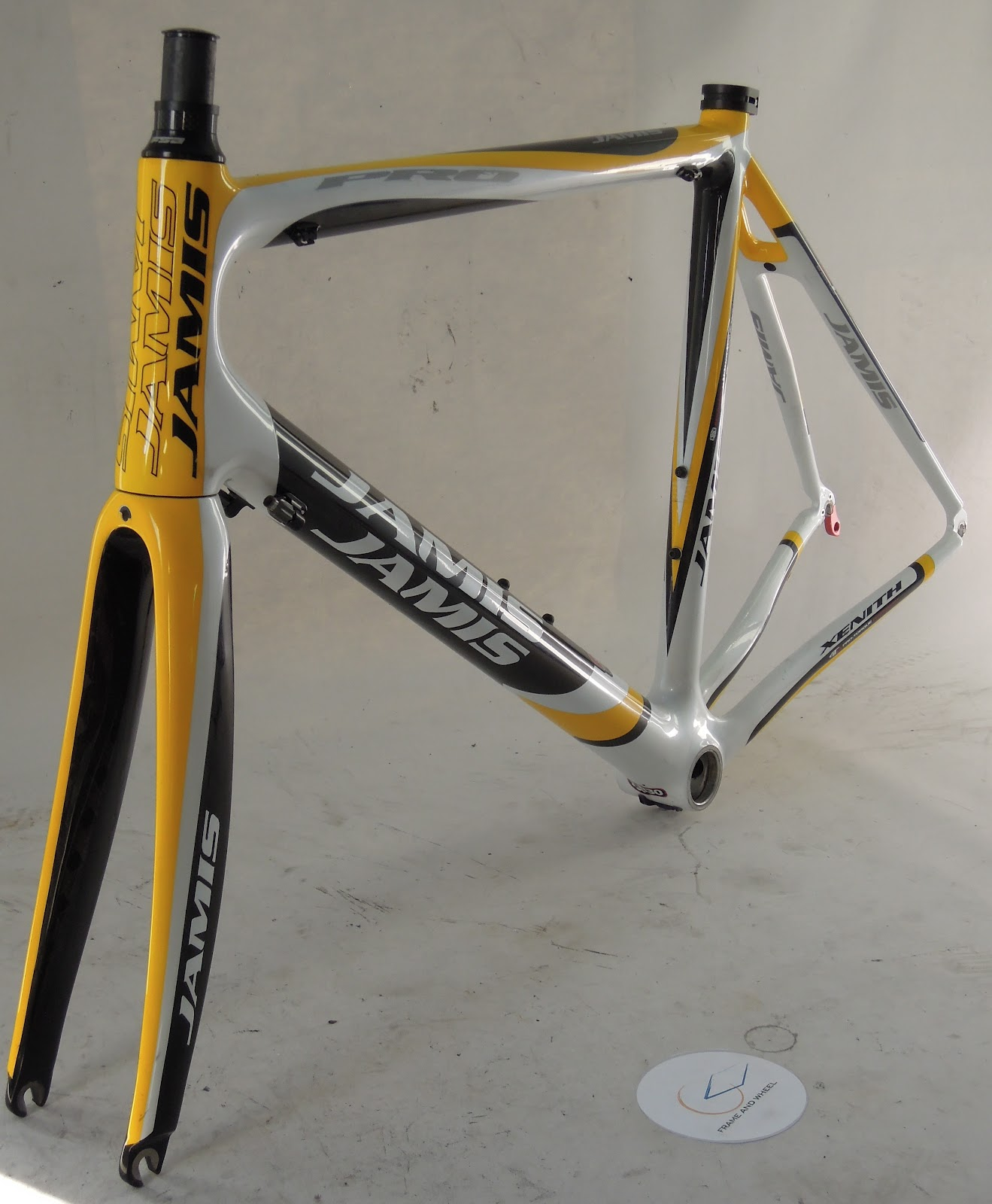 Frame And Wheel Selling Services 2011 Jamis Xenith Pro