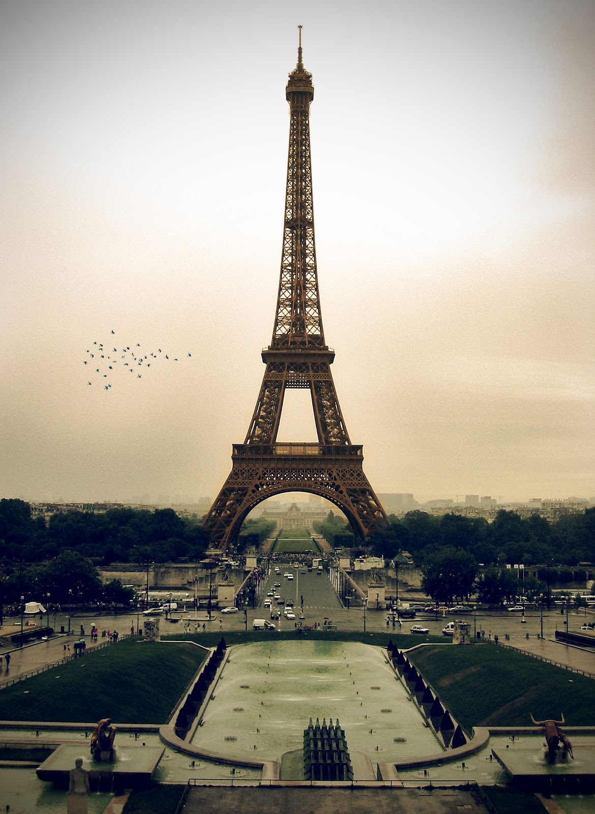 Paris Eiffel tower HD Wallpapers 2012 in Night and Day ...