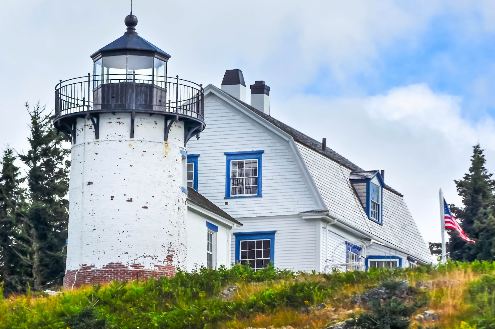 Cottage lighthouse lamp 3 colors - Bear Island Lighthouse Was Severely Damaged By Fire In 1852 And Rebuilt In 1853 Experience Proved That The Original Design Put Too Much Stress On The
