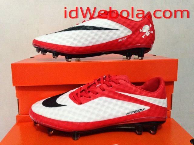 Sepatu Bola Hipervenom Putih Merah