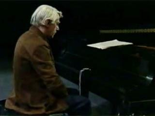 """""""No tengo nada que decir y lo estoy diciendo"""". Así es como sintetiza el intérprete David Tudor la pieza compuesta por Cage el año 1952."""
