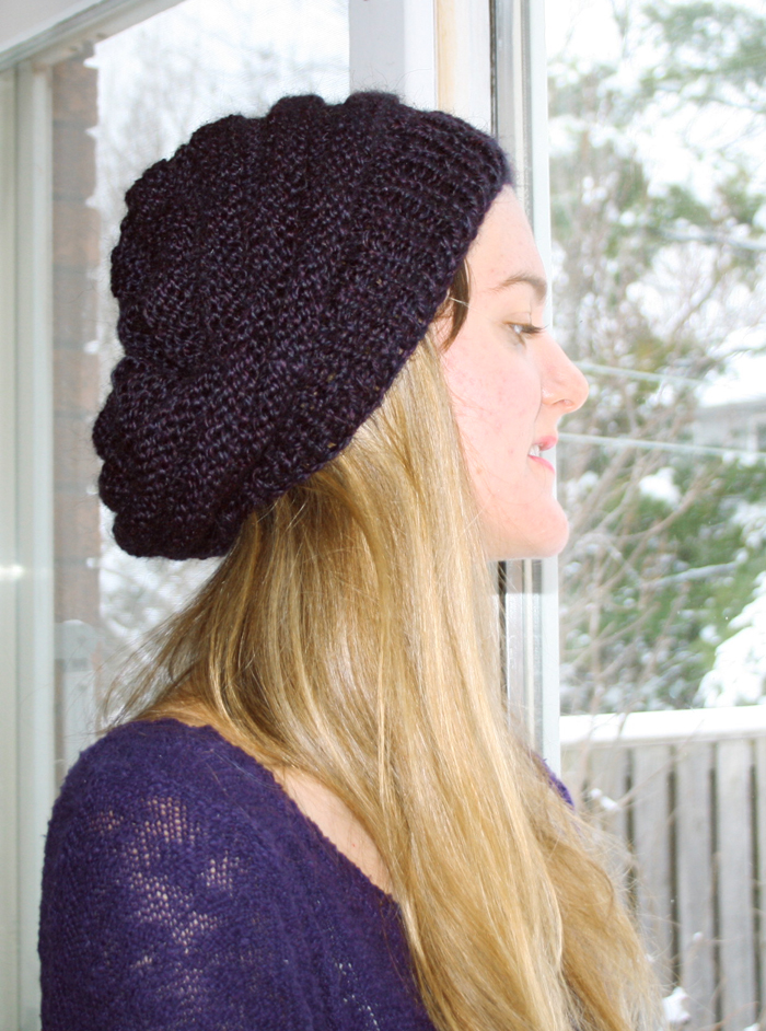 Free Knitting Pattern Beret Straight Needles : Prints & Needles: Slouchy Knit Beret >> Free Knitting Pattern