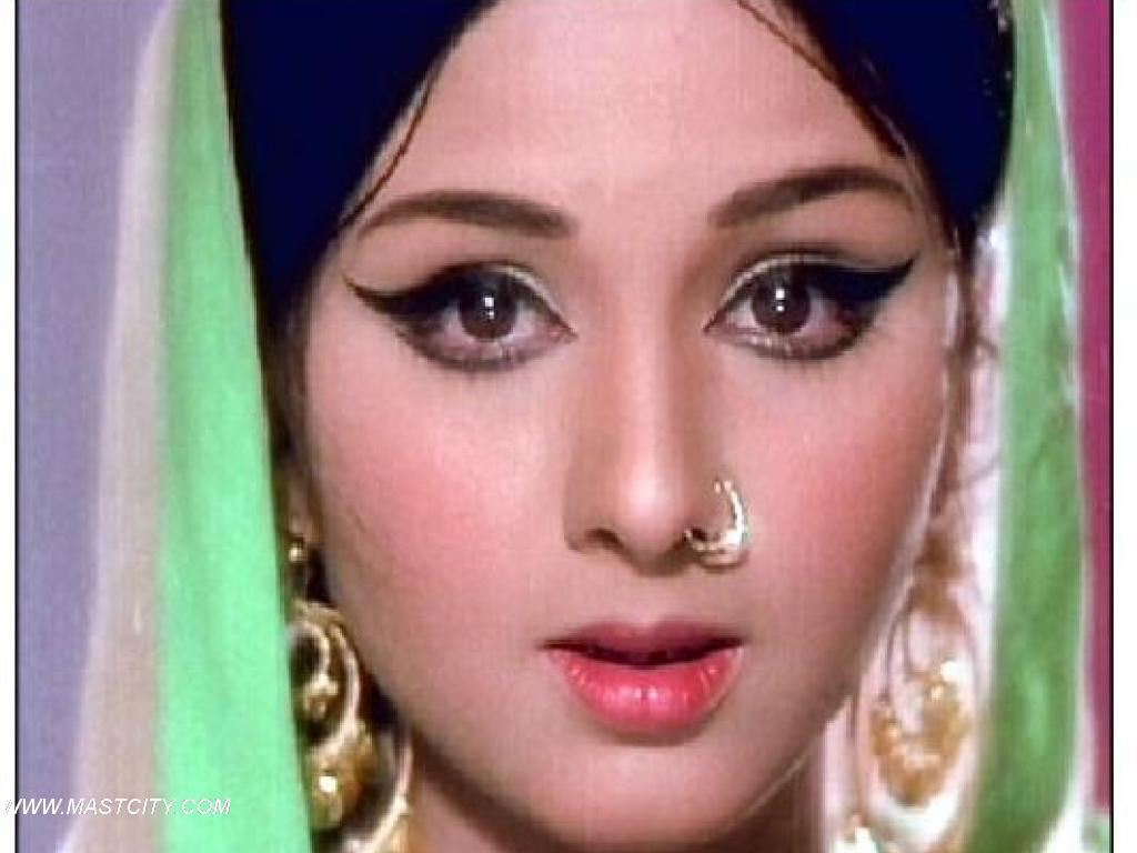 Leena Chandavarkar Net Worth