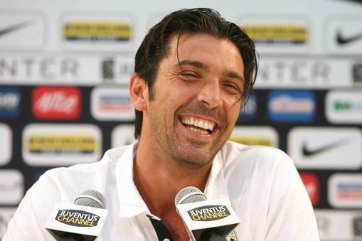 Gianluigi Buffon: Los 10 futbolistas más guapos y sexys