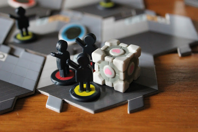 Portal board game - Companion Cube