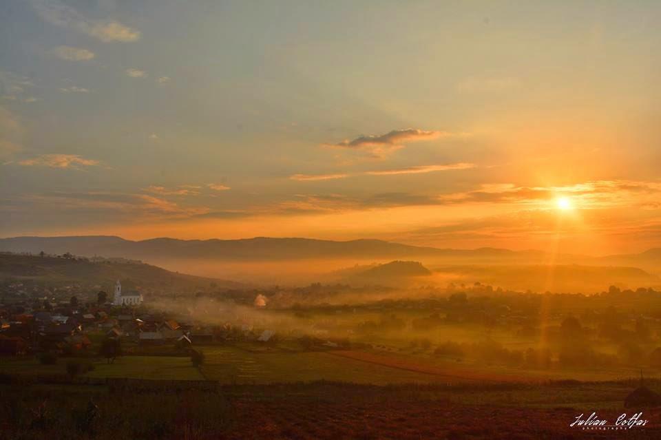 Răsărit de soare la Subcetate - august