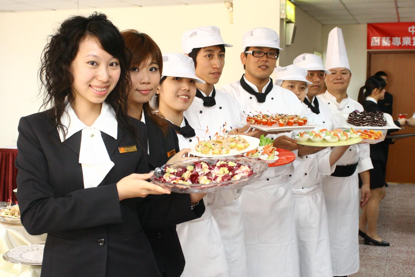 essay hospitality tourism management