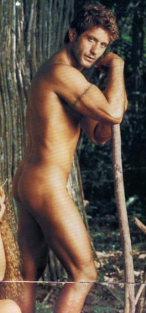 Bobby Larios Desnudo