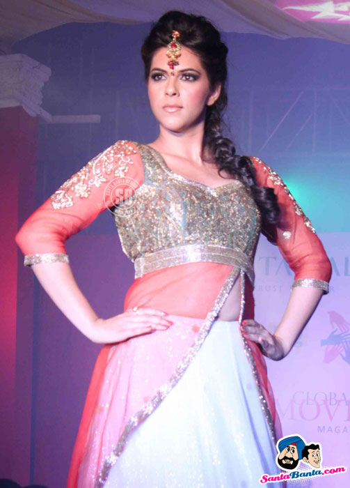 indian model ramp walk - (4) - Global Movie Independence Fashion Show Photos