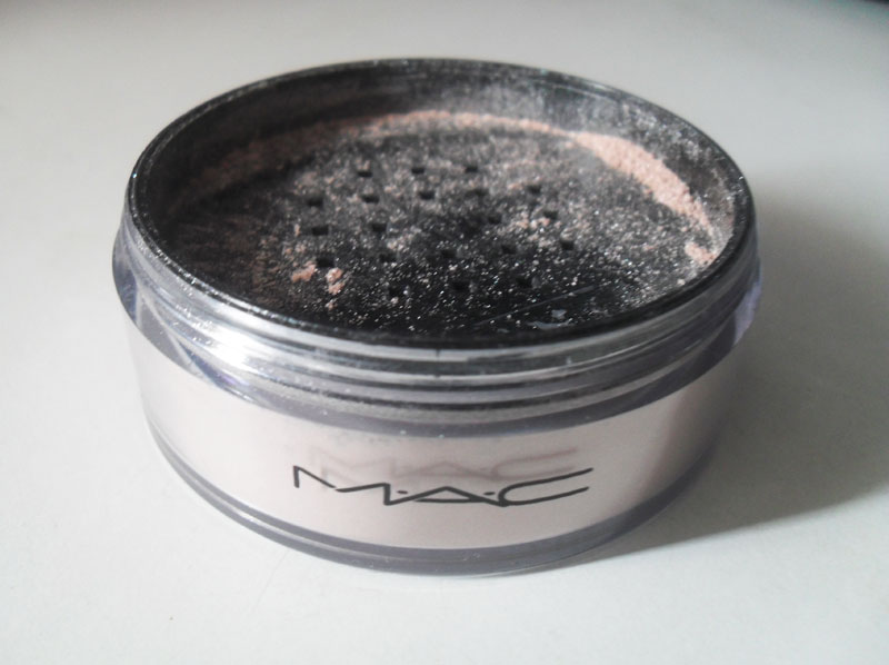 silver1 Iridescent Powder/Loose Silver Dusk   MAC