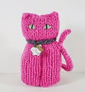 http://www.ravelry.com/patterns/library/lucky-cats