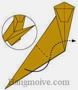 Bước 11: Gấp cạnh giấy vào trong giữa hai lớp giấy.
