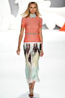 Права пола от рисувана коприна на Carolina Herrera