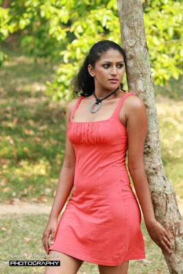 Oushi Perera Hot photo
