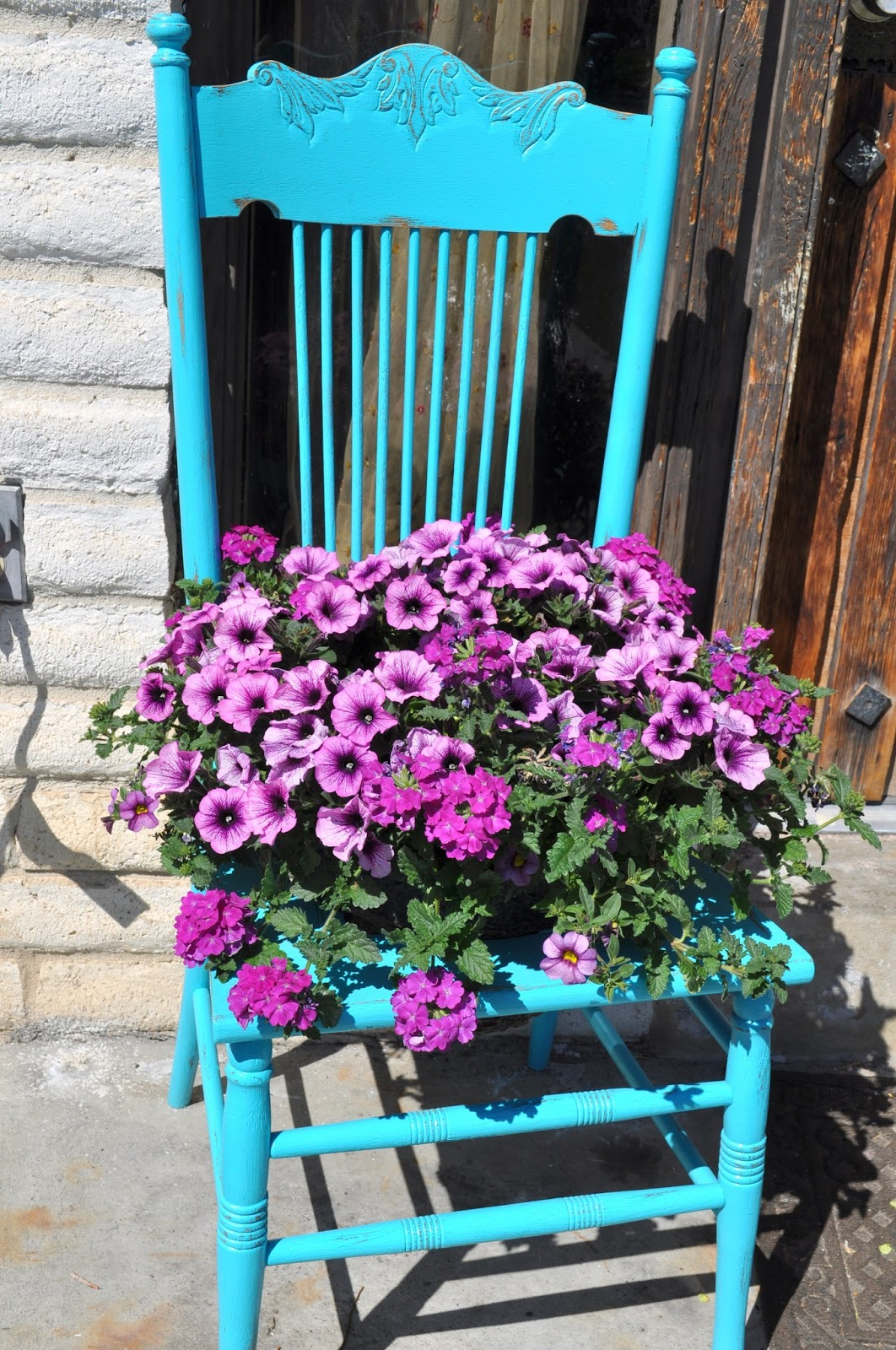 Painted chairs ideas - Reclaim Ologists And Other Crafty Chicks Who Wants To Win A Prize