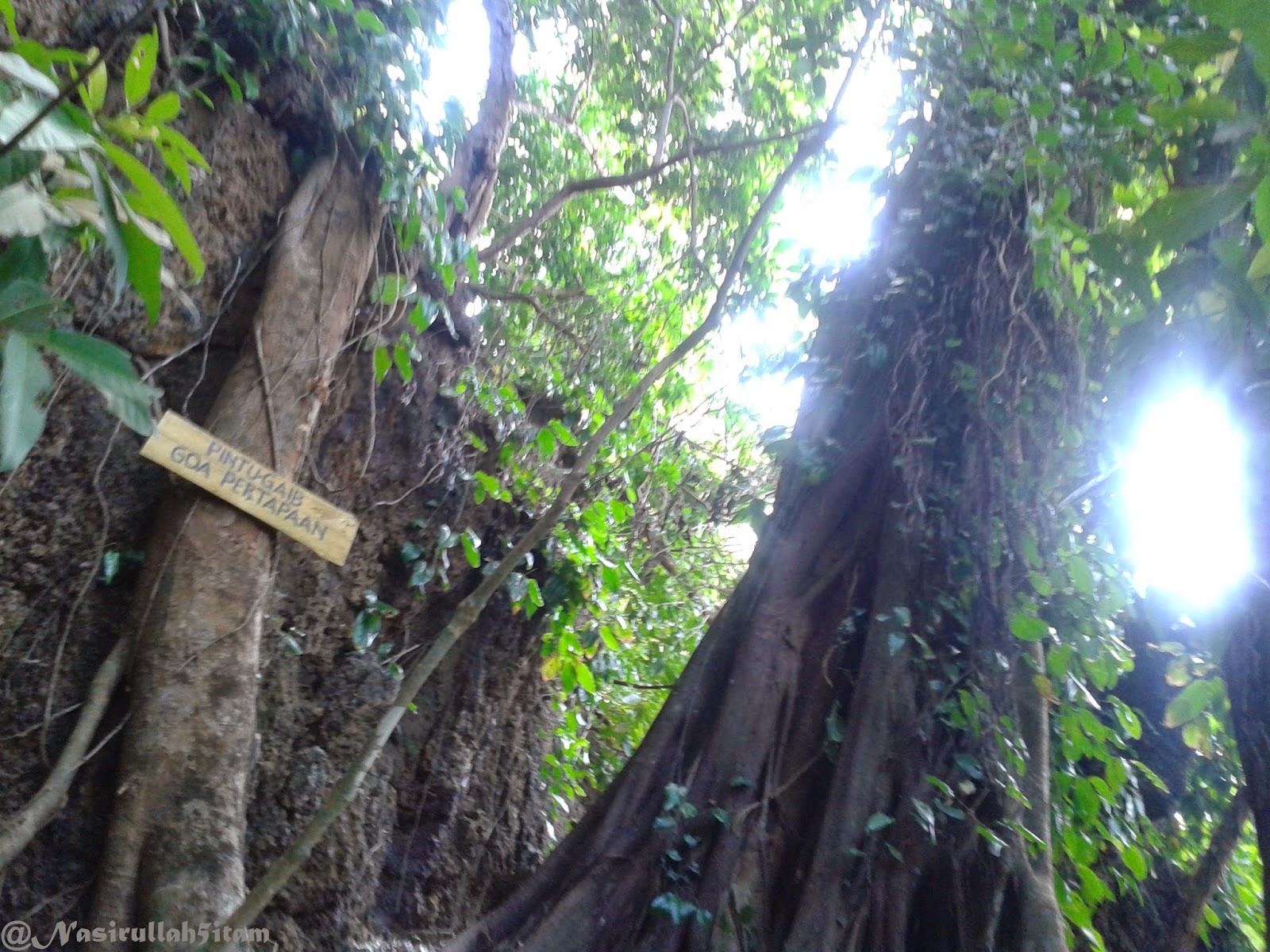 Tulisan Pintu Gaib Goa Pertapaan di Ujung Batulawang, Karimunjawa