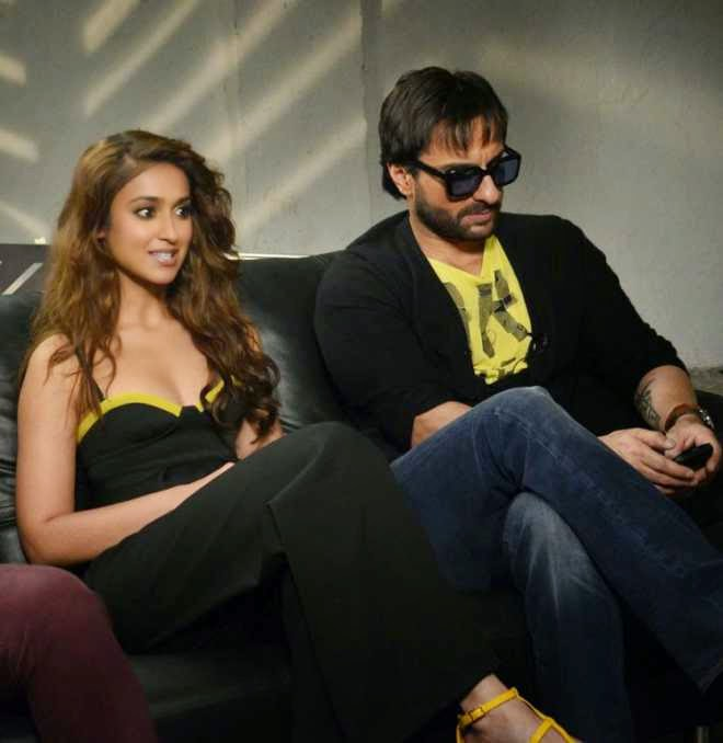 ileana with saif ali kha happy ending promotion photo