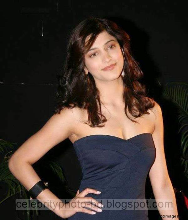Actress%2BShruthi%2BHaasan%2BHot%2BBoobs%2BShow%2BPhotos%2BIn%2BTight%2BMini%2BSkirt007