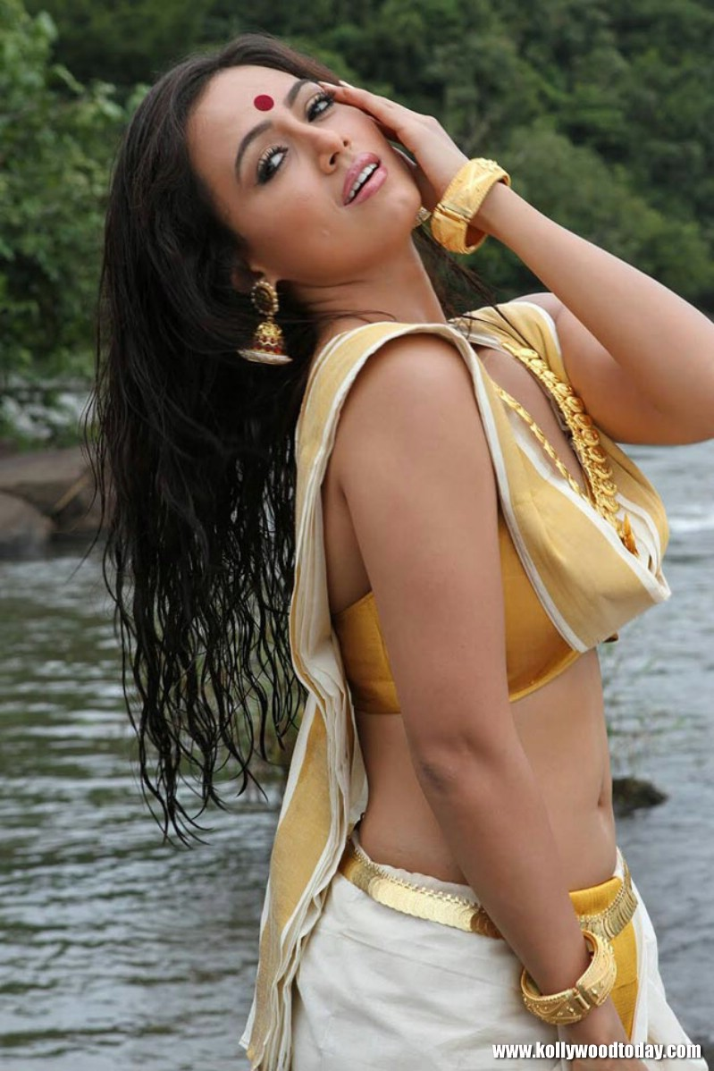 Sana khan hot and sexy pics