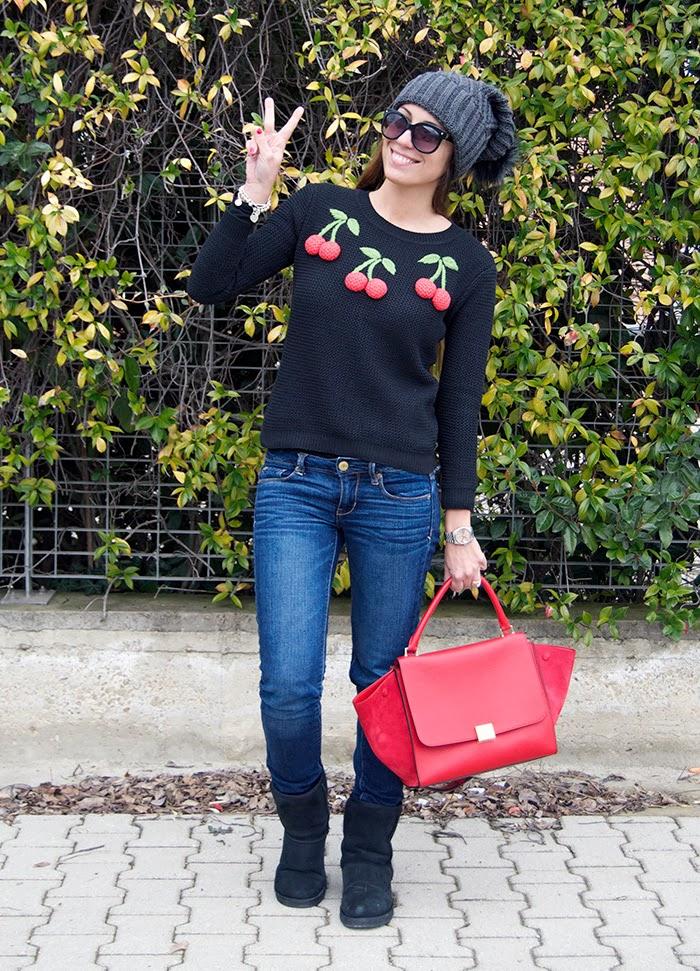 outfit con dettagli rossi