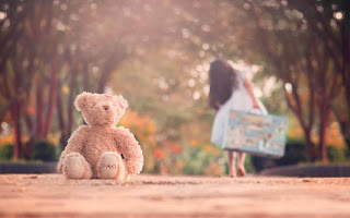 Little-girl-left-cute-teddy-alone-photo-image-for-boys.jpg