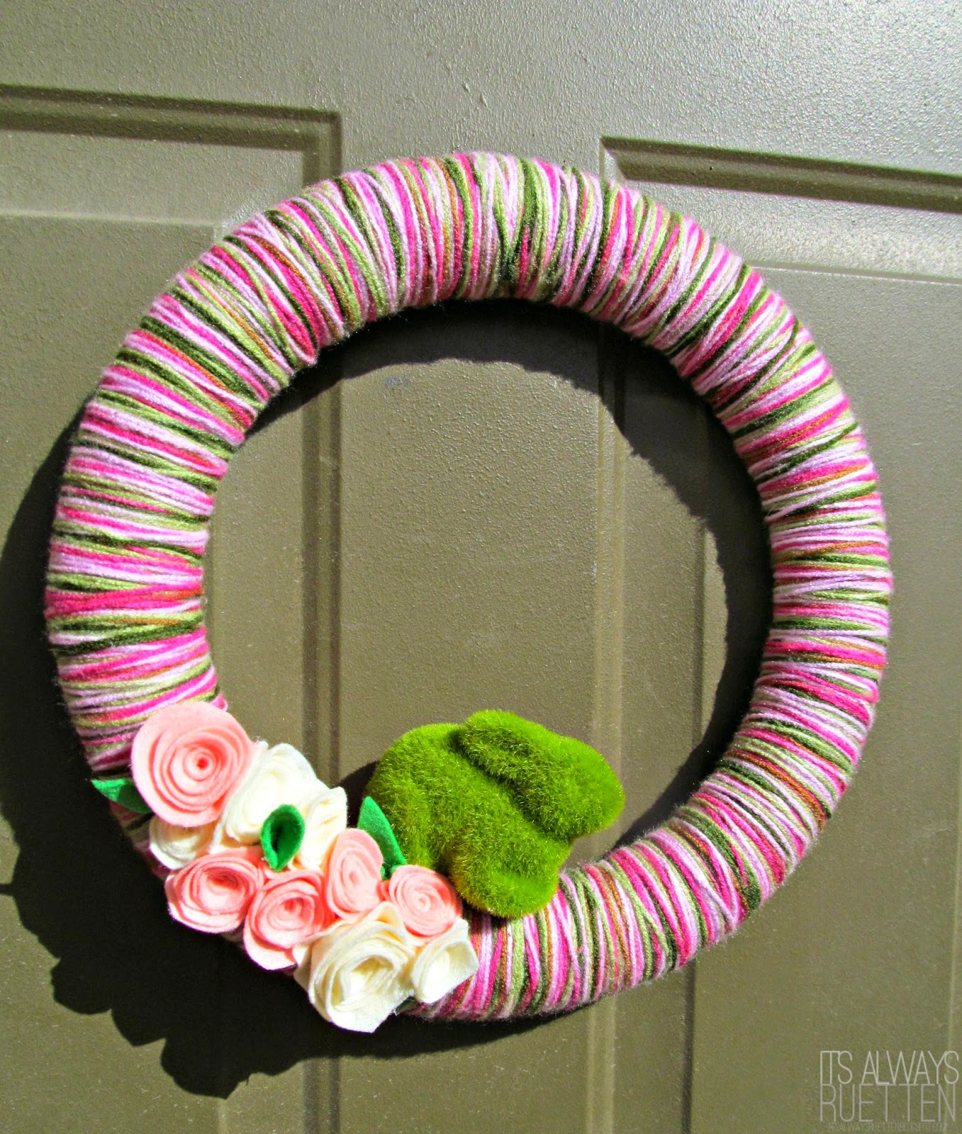 DIY Yarn Wreath for Easter or Spring with felt rosettes and a mossy bunny