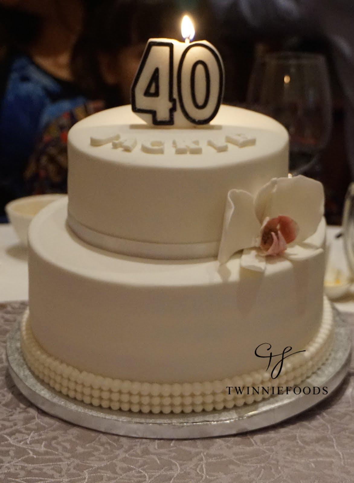 Elegant Cake Designs Birthday Cakes : Elegant 40th Birthday Cake - TwinnieFoods
