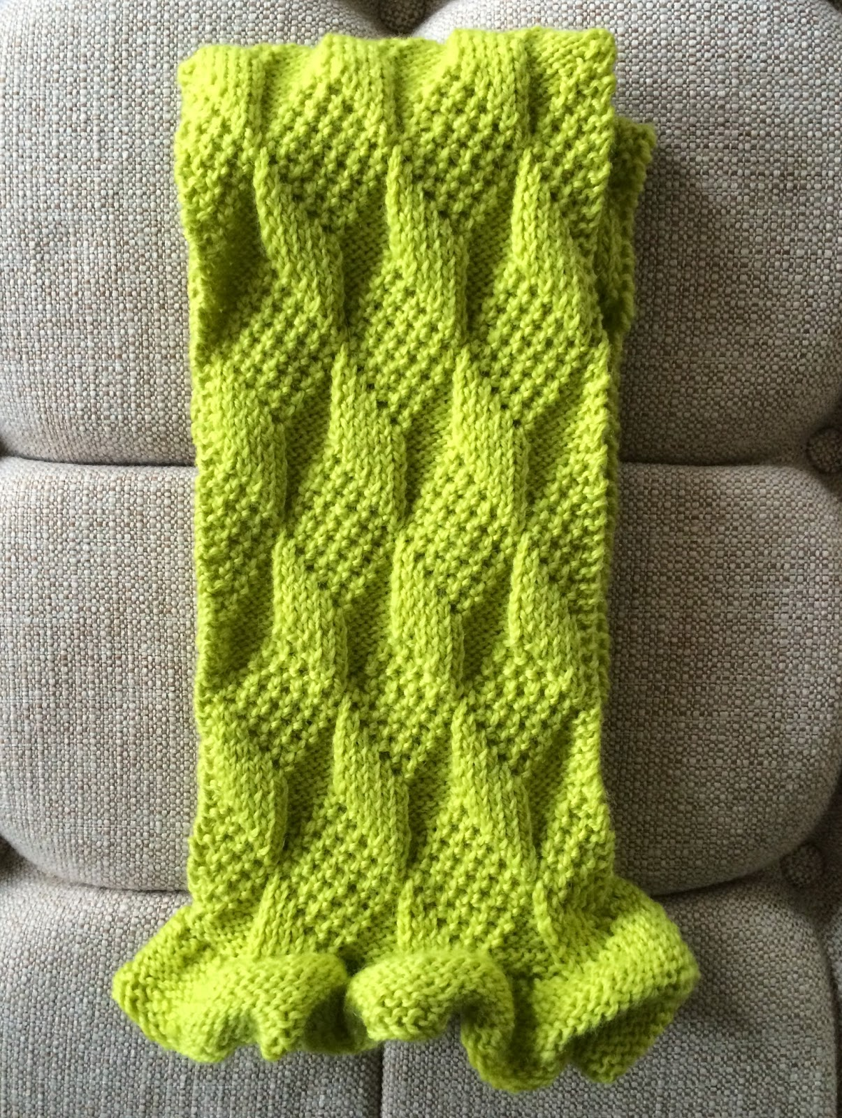 Ruffle Scarf Knitting Pattern Easy : Librarian Tells All: Fresh off the Knitting Needles: Diamonds and Ruffles Sca...
